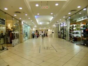 Eine Einkaufsmeile in Johannesburg